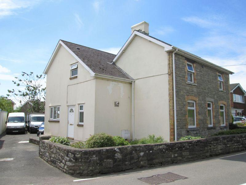 4 Bedrooms Detached House for sale in Heol West Plas Coity Bridgend CF35 6BH