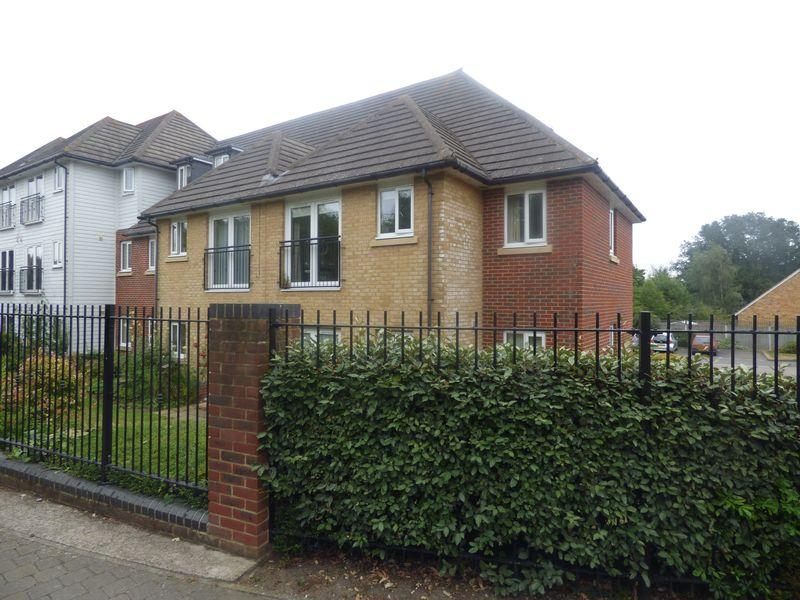 1 Bedroom Flat for sale in Hoxton Close, Ashford