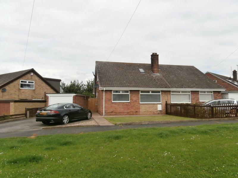 3 Bedrooms Semi Detached Bungalow for sale in Owst Road, Keyingham