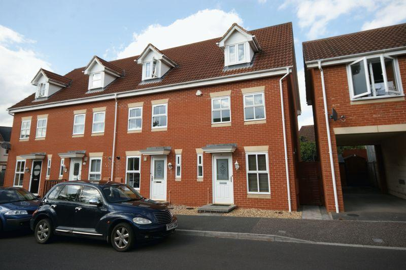 3 Bedrooms End Of Terrace House for sale in Stutts End, Cotford St Luke