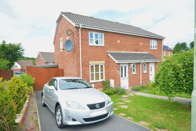 3 Bedrooms Semi Detached House for sale in Derwen View, Bridgend