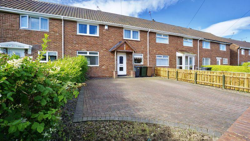 3 Bedrooms Terraced House for sale in WEST FARM WYND, Longbenton