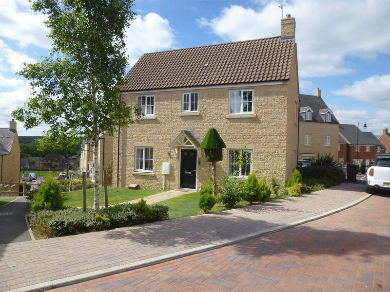 4 Bedrooms Detached House for sale in Oak Lane, Kings Cliffe, Peterborough
