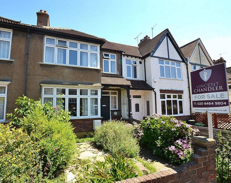 3 Bedrooms Terraced House for sale in Beechfield Road, Bromley