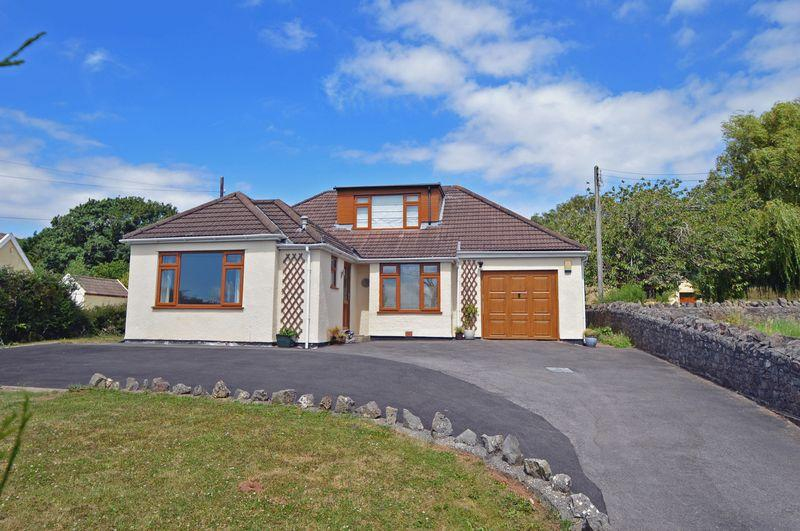 4 Bedrooms Detached House for sale in In the sought after village of Tickenham