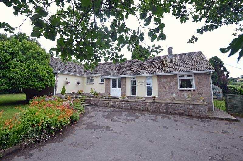 4 Bedrooms Detached Bungalow for sale in In countryside near Easton in Gordano