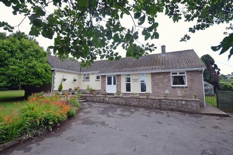 4 bedroom detached bungalow for sale - In countryside near Easton in Gordano