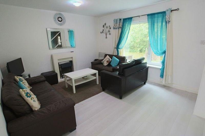 2 Bedrooms Terraced House for sale in Great Lee Walk, Shawclough, Rochdale OL12 6NG
