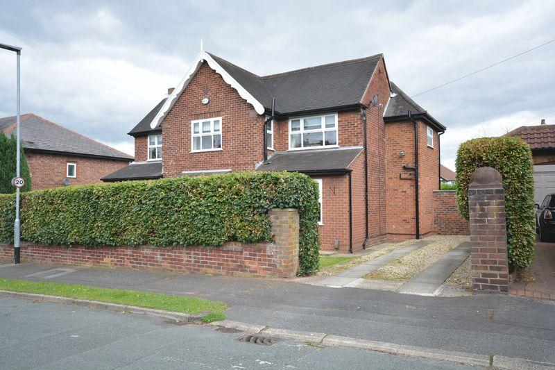3 Bedrooms Detached House for sale in Marlfield Road, Grappenhall, Warrington
