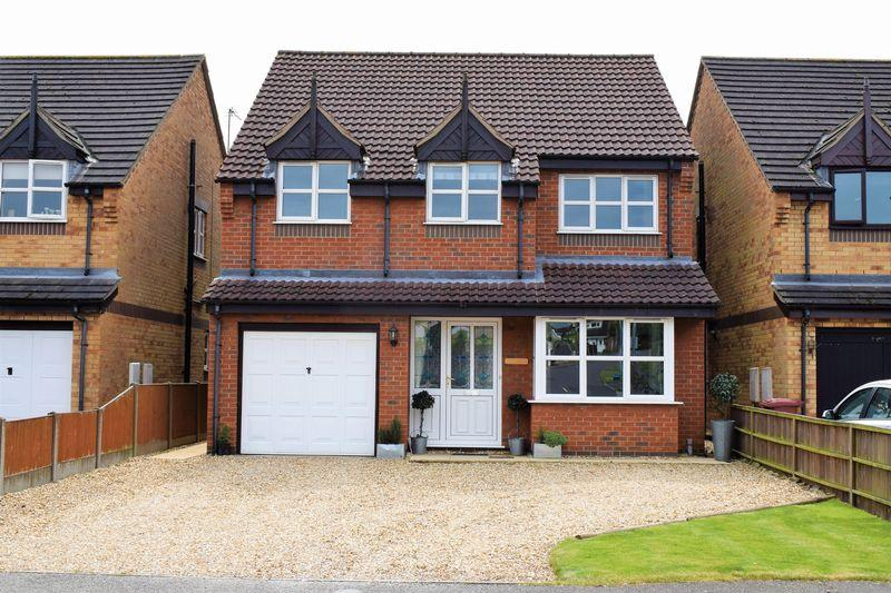 4 Bedrooms Detached House for sale in Windsor Way, Broughton