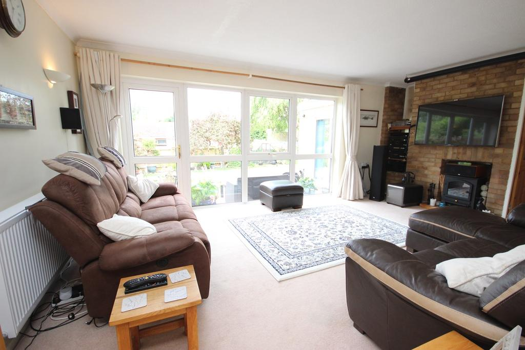 4 Bedrooms Detached House for sale in Washbrook Close, Barton Le Clay, MK45