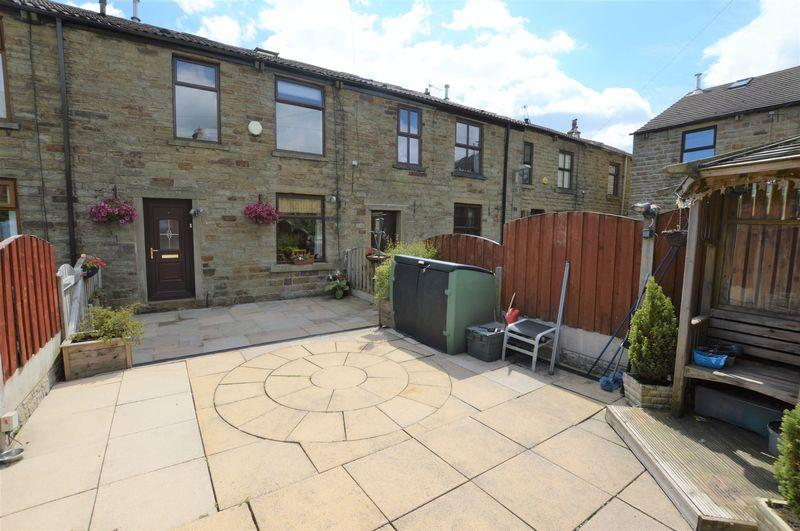 3 Bedrooms Terraced House for sale in Cleggs Avenue, Rochdale