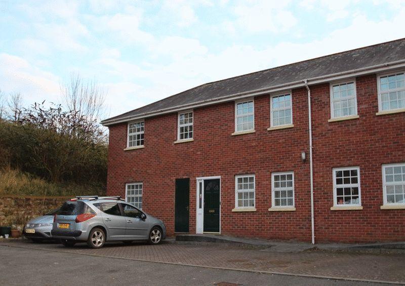 2 Bedrooms Apartment Flat for sale in Flat 11, Alexander Court, Crediton