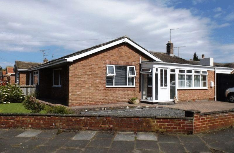 2 Bedrooms Bungalow for sale in Moorfields, Morpeth