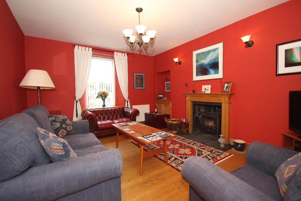 2 Bedrooms Semi Detached House for sale in Burghmuir Road , Perth, Perthshire , PH1 1JG