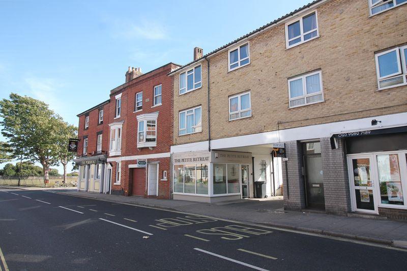 2 Bedrooms Flat for sale in Pembroke Road, Old Portsmouth