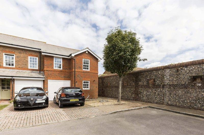 3 Bedrooms Terraced House for sale in Drysdale Mews, Southsea
