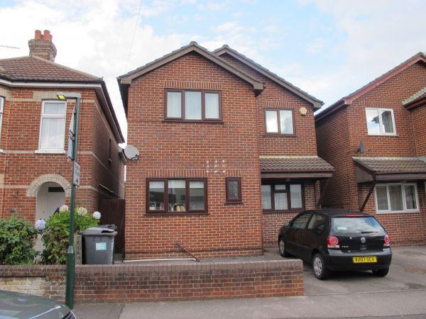 6 Bedrooms Detached House for rent in Cardigan Road, Winton