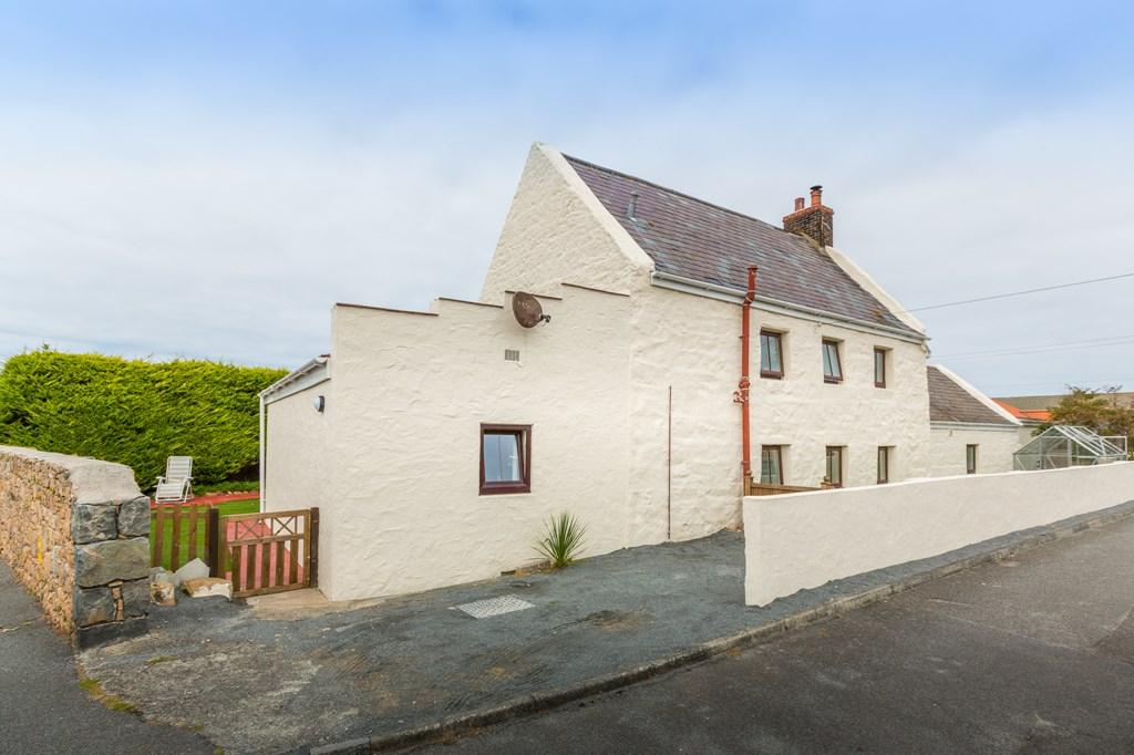 4 Bedrooms Detached House for sale in Grandes Rocques Road, Castel, Guernsey