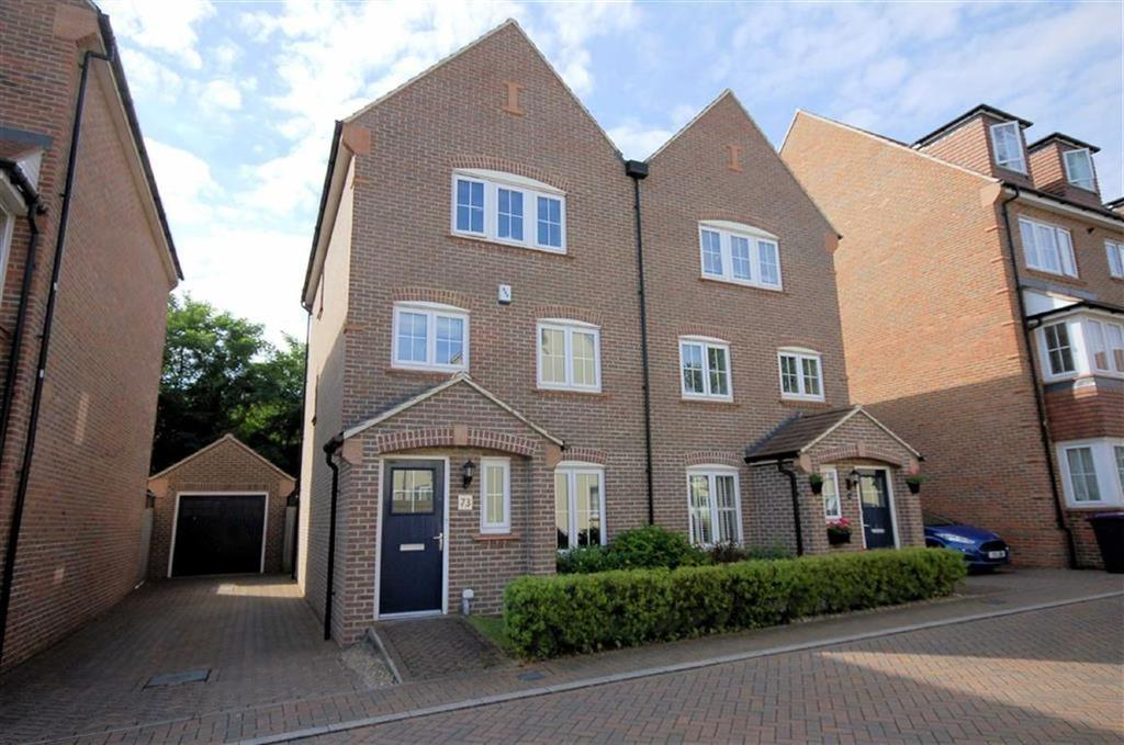 4 Bedrooms Semi Detached House for sale in Lindsell Avenue, Letchworth Garden City, Hertfordshire