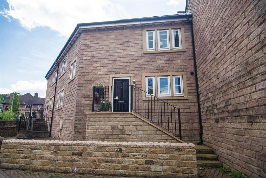 4 Bedrooms Town House for sale in Moorbrook Mill Drive, New Mill, Holmfirth, HD9 1JL