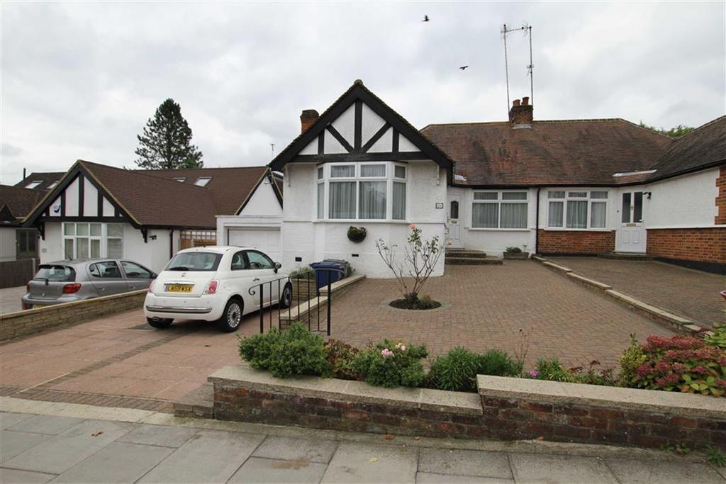 3 Bedrooms Semi Detached Bungalow for sale in Meadway, New Barnet, Herts, EN5