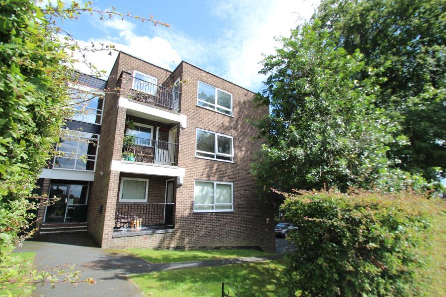 2 Bedrooms Flat for sale in WENSLEYDALE COURT, STAINBECK LANE, LEEDS, LS7 3SA