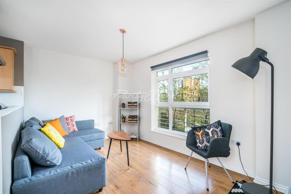 1 Bedroom Flat for sale in Cottrill Gardens, Hackney, E8