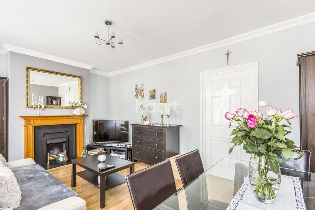 2 Bedrooms Flat for sale in Camberwell, London