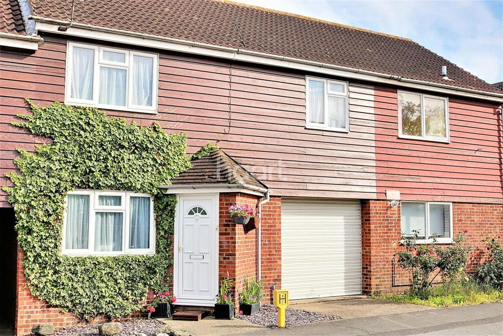 4 Bedrooms Terraced House for sale in Great Clacton