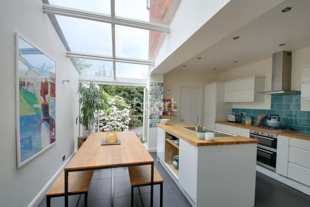 3 Bedrooms Terraced House for sale in Bailiff Street, The Mounts, Northampton