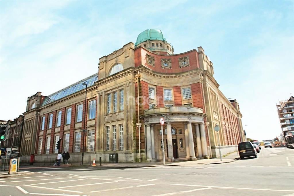 4 Bedrooms Flat for sale in Old Arts College, Newport