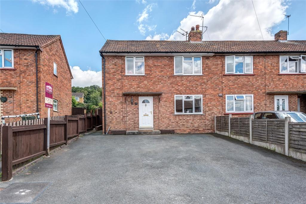 3 Bedrooms Semi Detached House for sale in Queens Road, Bridgnorth, Shropshire