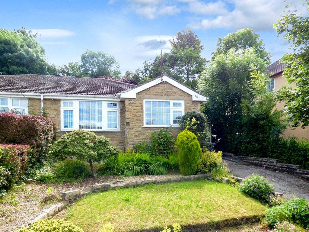 3 Bedrooms Semi Detached Bungalow for sale in Aireville Crescent, Bradford, West Yorkshire