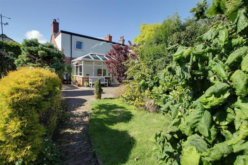 3 Bedrooms Detached House for sale in Chapel Cottage, Main Street, Aby