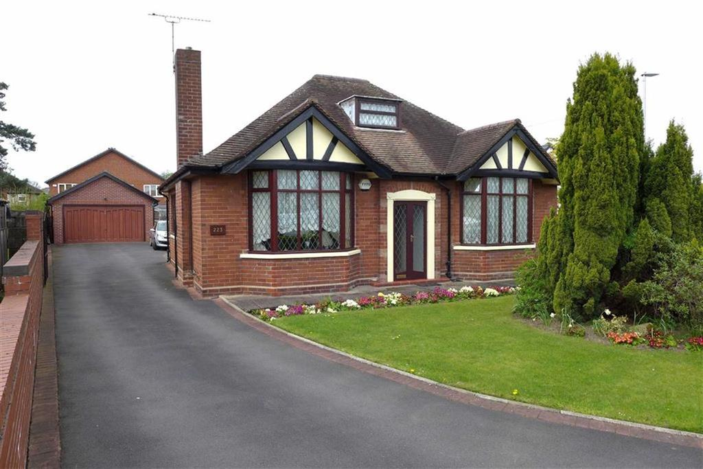 3 Bedrooms Detached Bungalow for sale in Middlewich Street, Crewe