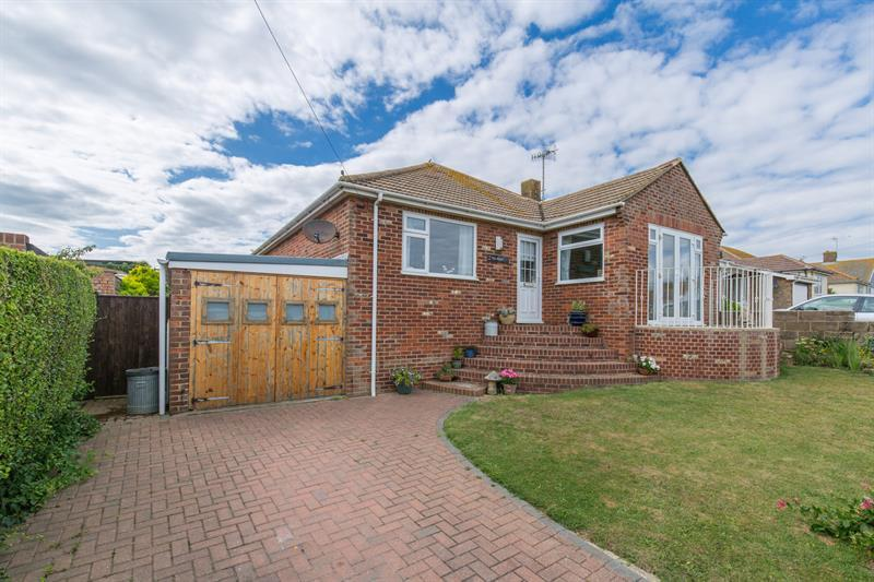 2 Bedrooms Bungalow for sale in Cliff Avenue, Peacehaven