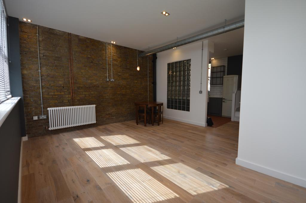 2 Bedrooms Semi Detached House for sale in Muirkirk Road Catford SE6
