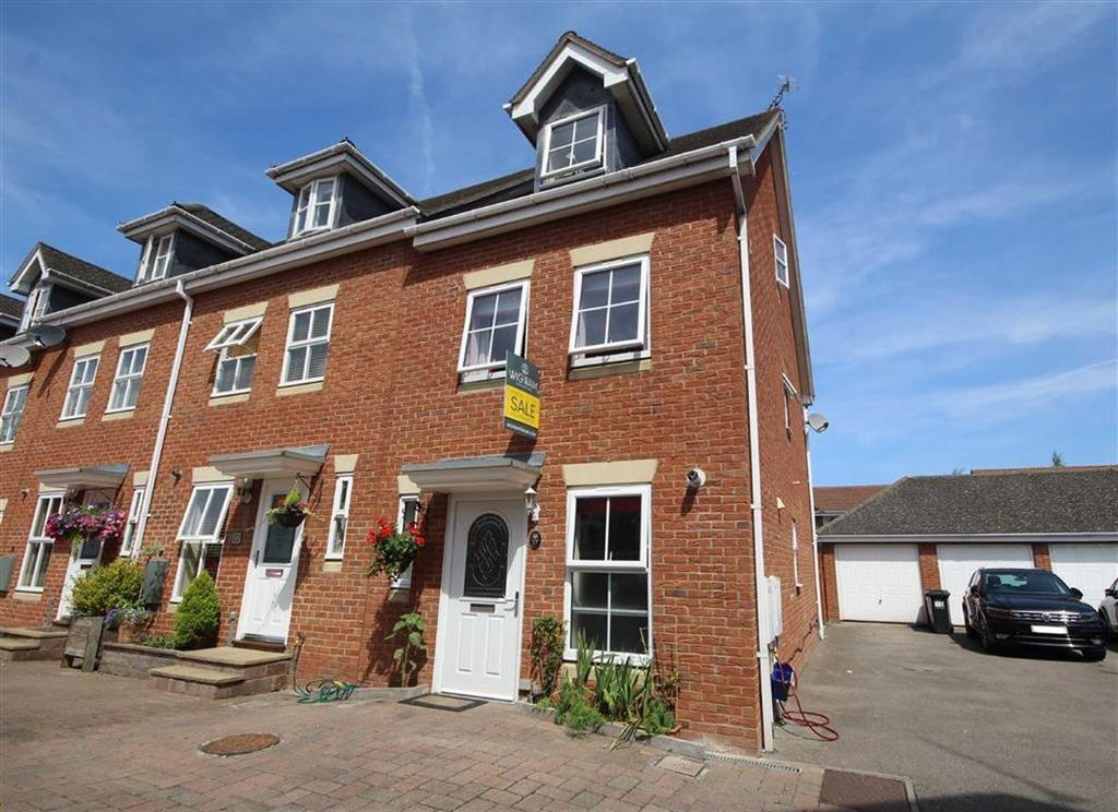 4 Bedrooms End Of Terrace House for sale in Caliban Mews, Warwick, Warwickshire, CV34