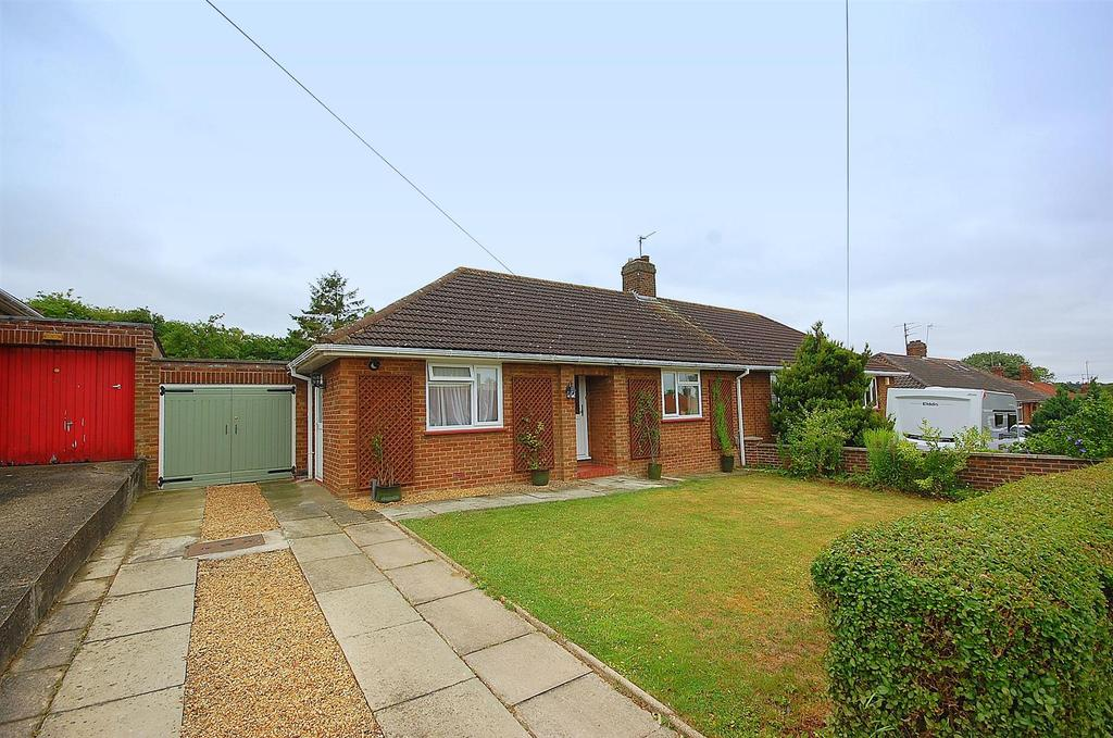 2 Bedrooms Semi Detached Bungalow for sale in Granville Road, Hitchin