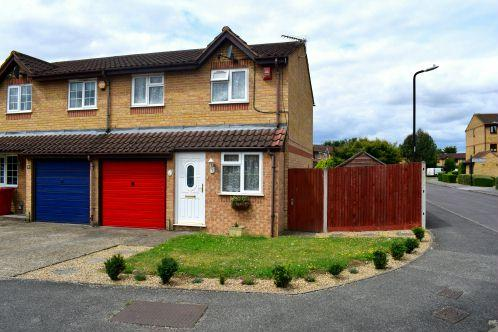3 Bedrooms Terraced House for sale in Walpole Road, Burnham Gate
