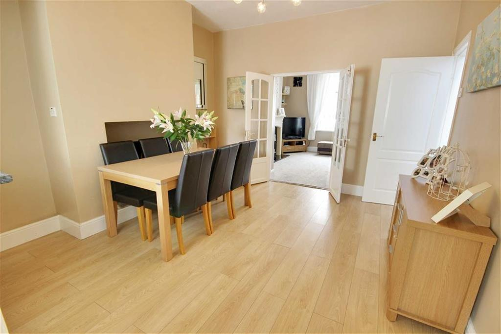 3 Bedrooms End Of Terrace House for sale in Buchanan Street, Hebburn, Tyne And Wear