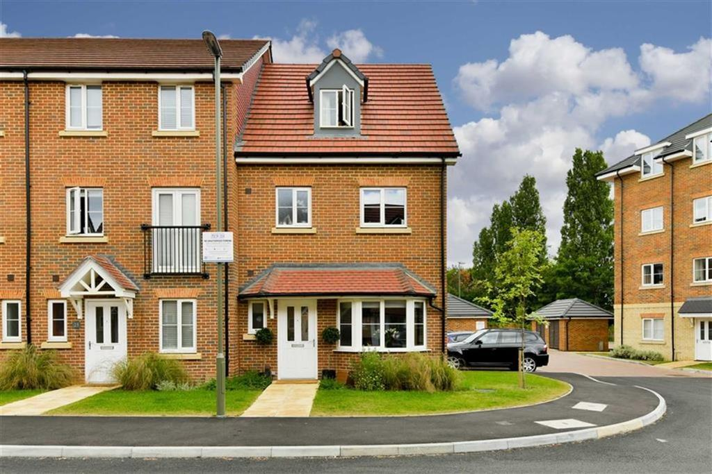 4 Bedrooms End Of Terrace House for sale in Winter Close, Epsom, Surrey