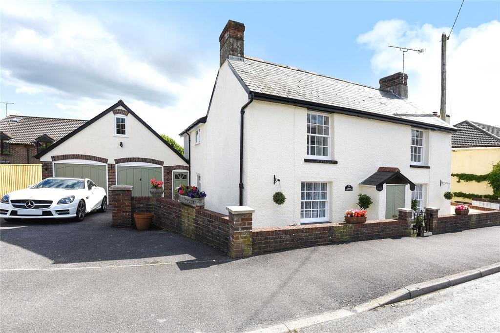 4 Bedrooms Detached House for sale in Tolpuddle, Dorchester, Dorset