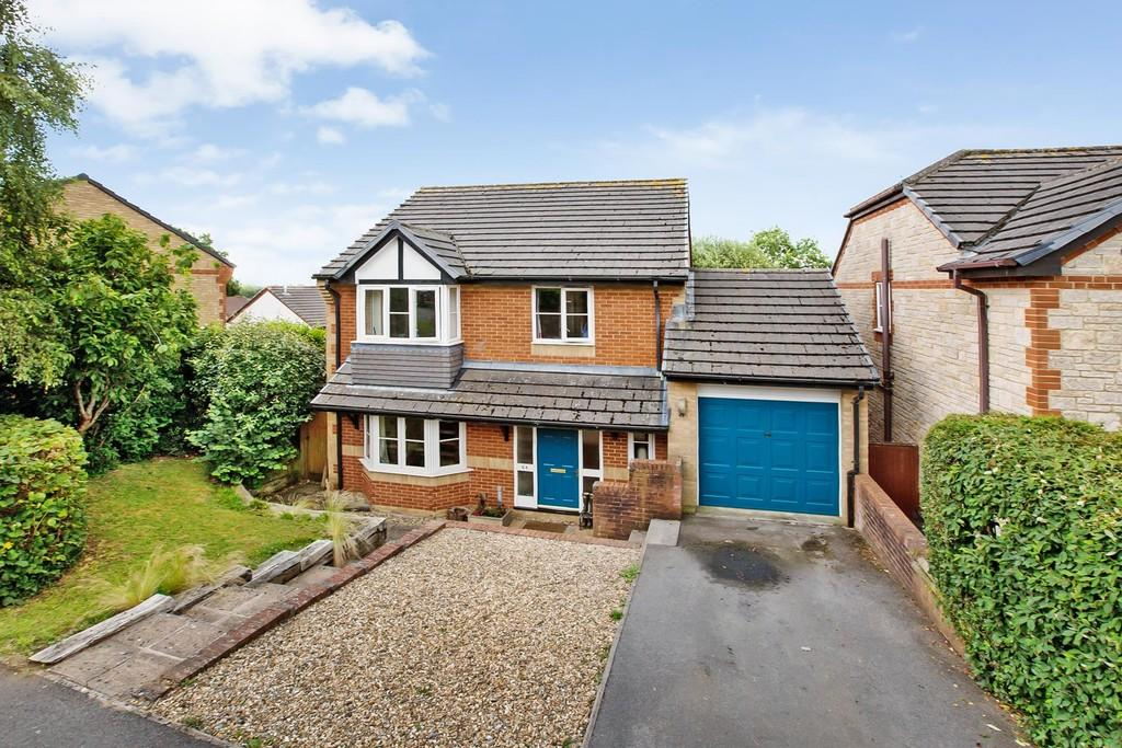4 Bedrooms Detached House for sale in De Tracey Park, Bovey Tracey, Newton Abbot