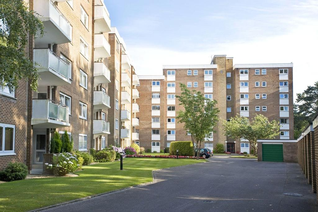 2 Bedrooms Flat for sale in Westerngate, 11 The Avenue, Poole, BH13