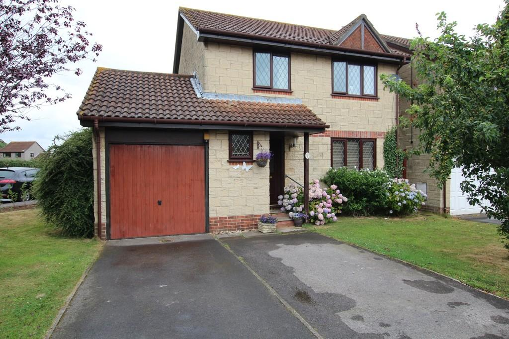 3 Bedrooms Detached House for sale in Larch Close, Lower Langford