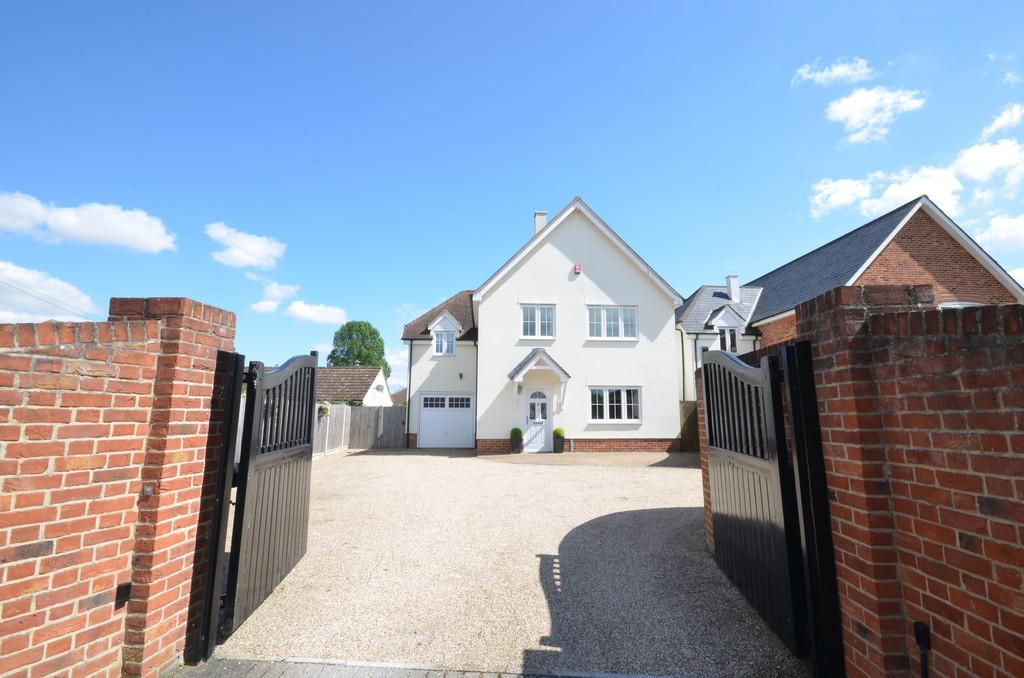 4 Bedrooms Detached House for sale in Spring Lane, Eight Ash Green, West Colchester