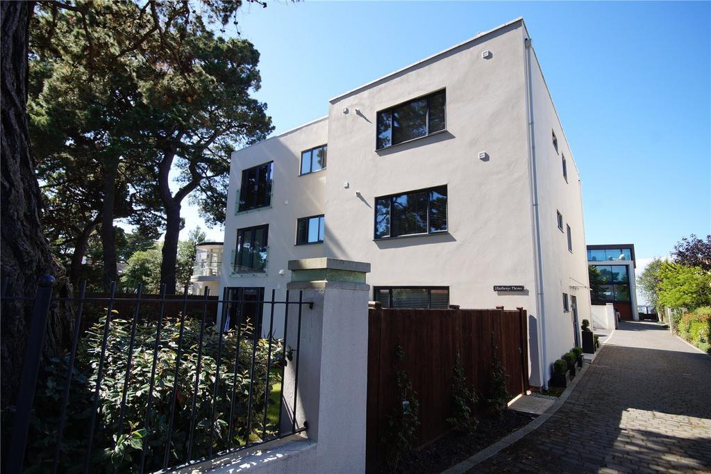3 Bedrooms Flat for sale in Harbour Dene, 8 Panorama Road, Sandbanks, Poole, BH13