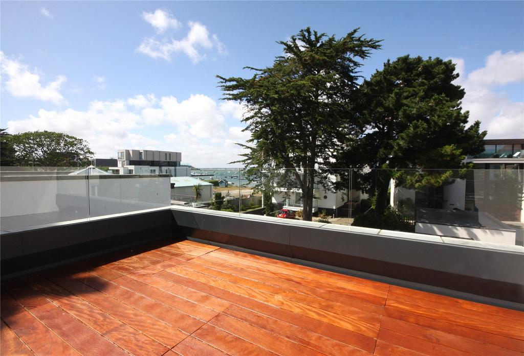 3 Bedrooms Flat for sale in Harbour Dene, 8 Panorama Road, Sandbanks, Poole, BH13